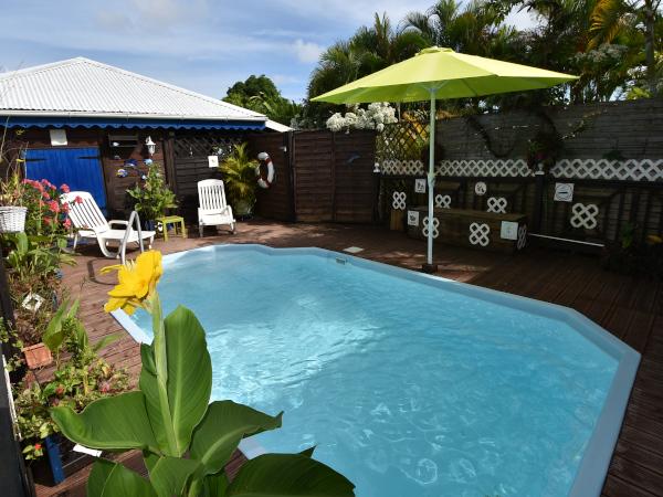 Location bungalow guadeloupe avec piscine location - Bungalow guadeloupe piscine privee ...